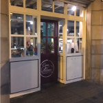 Accessible restaurant Barcelona La Paloma entrance