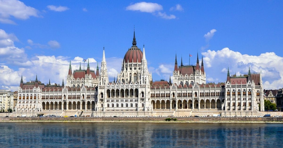 Accessible Budapest parliament hero