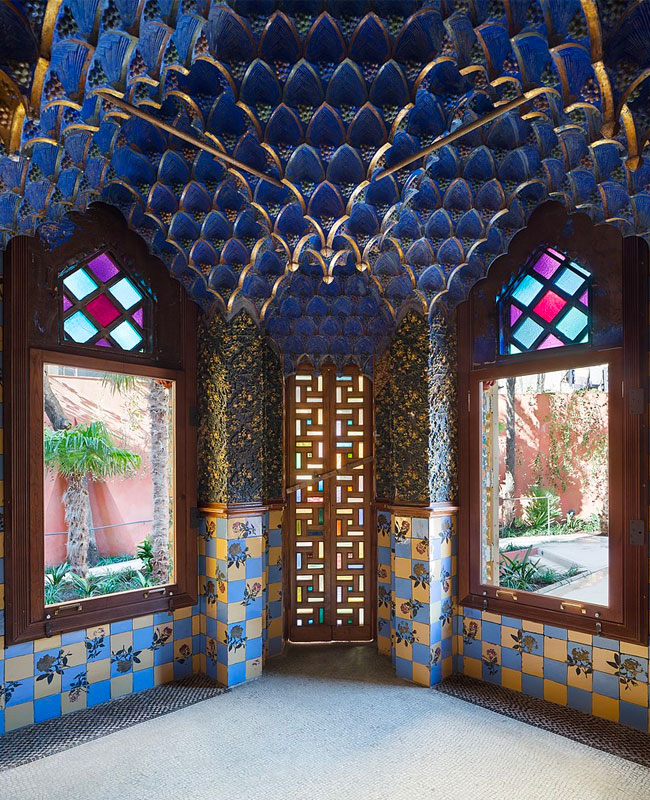Casa Vicens Blue Interior