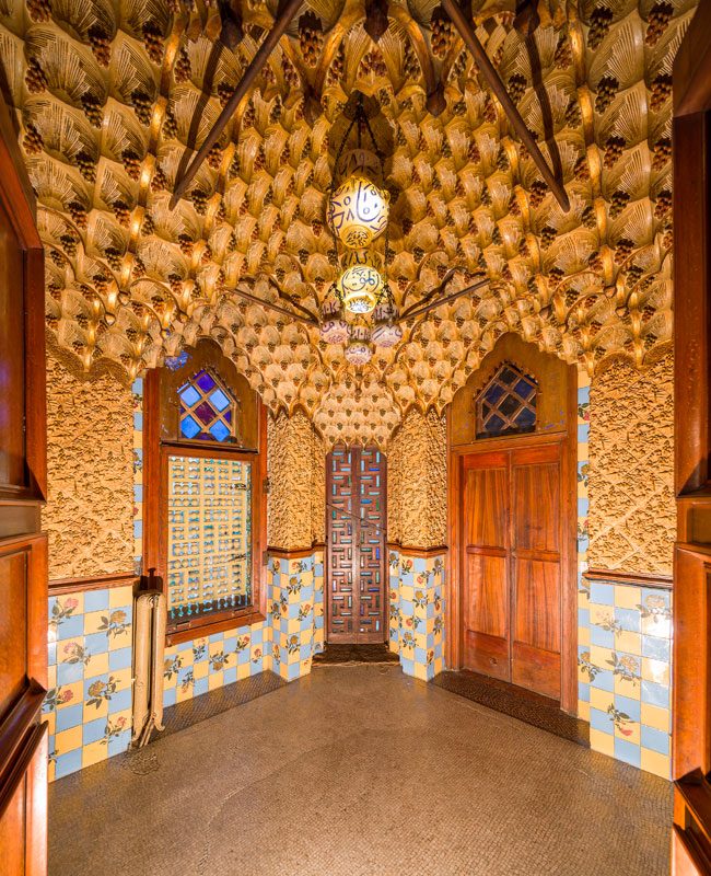 Casa Vicens Yellow Interior