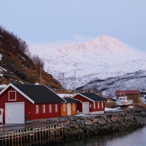 Kvaloya houses