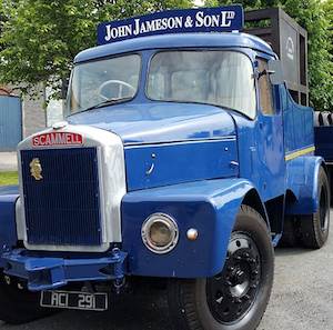Oldtimer John Jameson & Son Truck with Whiskey Barrels