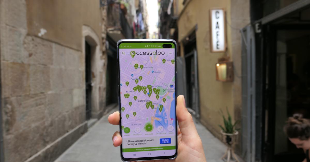 accessaloo app in streets of Barcelona