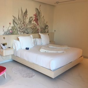 Spacious accessible room in hotel plaza catalunya
