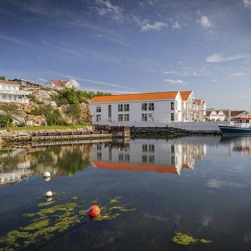 Stavanger by the water