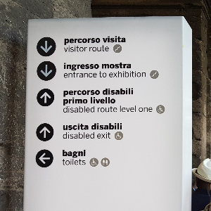 accessibility signs Colosseum