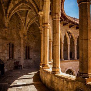 bellver castle pillars