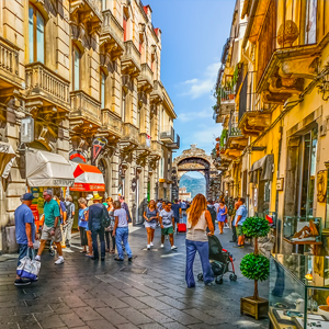 taormina shopping street