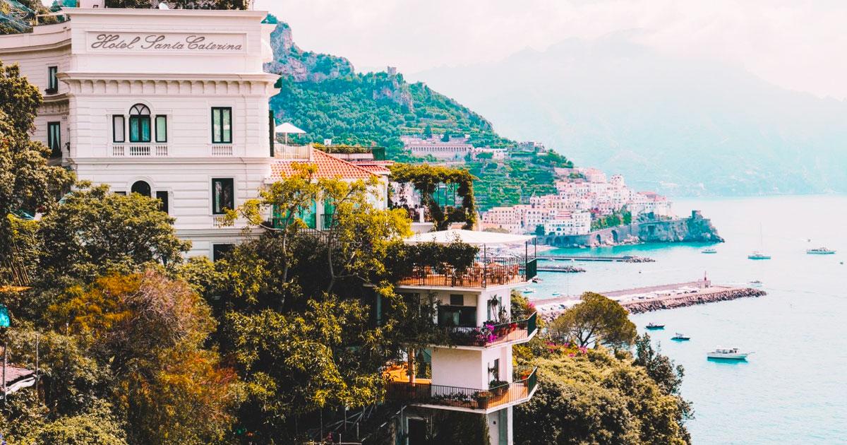Tour from Rome to Pompeii and Amalfi Coast Hero